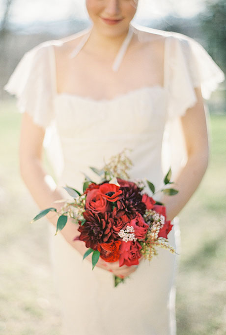 Red-Bouquets-Julie-Cate-Photography