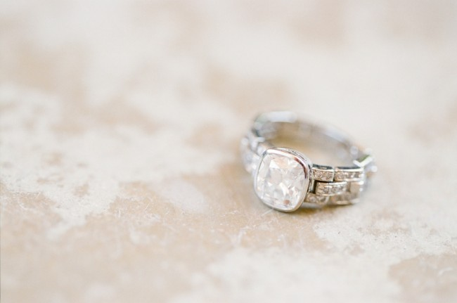 unique-engagement-ring-setting-romantic-photo_full